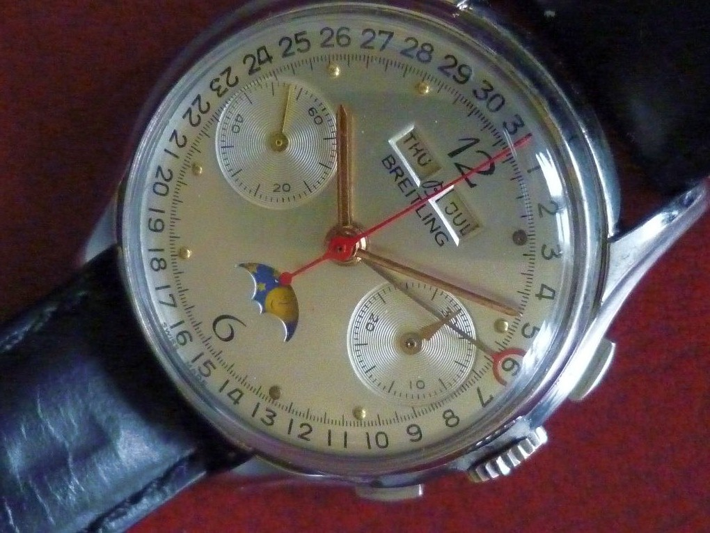 Breitling Full Calendar Chrono Close